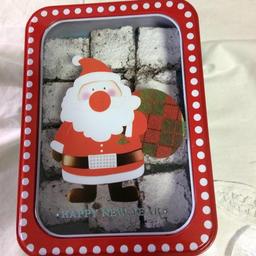 Lata navideña con brownies
