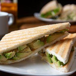 Sándwich de Pan con Palta