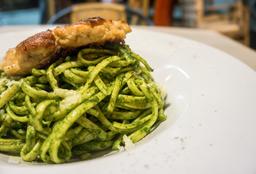 Spaguetti al Pesto con Milanesa o Lomo