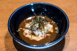 Spaguetti de calamar al miso e ikura