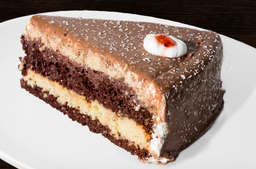 Gaseosa + Torta