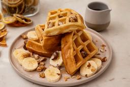 Waffle con Banana, Frutos Secos y Miel