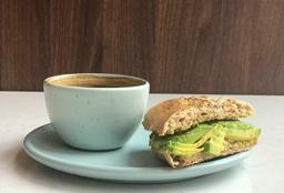 Combo de 1/2 Sándwich + Café