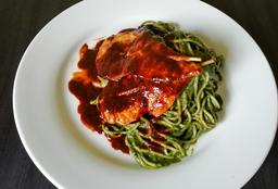 Spaghettis con Carne en Salsa Anticuchera