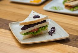 Sándwich Triple al Olivo