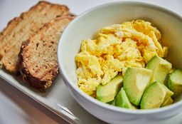 Huevos y palta