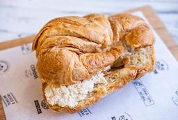 Sándwich Croissant de Pollo