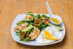 Ensalada de Pollo y Huevos al Vapor
