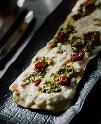 Pizzetta de Straciatella y Pesto