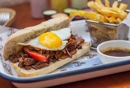 Sandwich de Lomito Montado