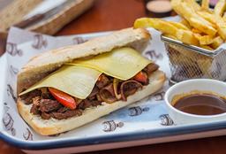 Sandwich de Lomito con Queso