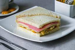 Sandwich Triple De Tocino