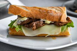 Sandwich De Lomo