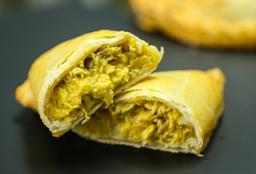Empanada De Pollo Y Nueces