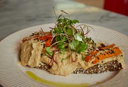 Tostón de Hummus