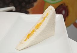 Sándwich Triángulo Doble de Pollo y Durazno