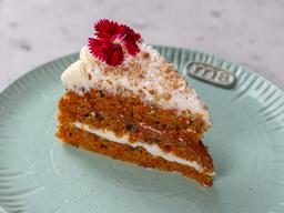 Porción Carrot Cake