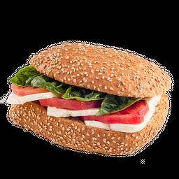 Sándwich Capresse con Queso Fresco