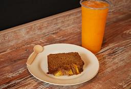 Slice de Keke + Jugo de Piña o Papaya