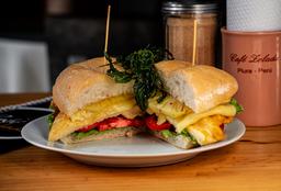 Sándwich de Pollo con Piña y Queso