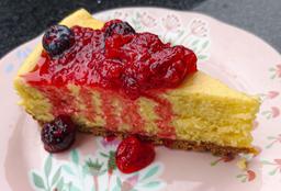 Cheesecake en Salsa de Frutos del Bosque