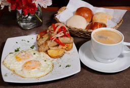 Desayuno con Huevos Characatos