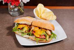 Sándwich de Pollo a la Huancaína