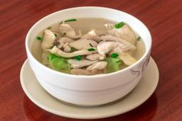 Sopa de Pollo con Fideos Chino