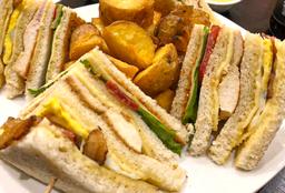 Sándwich Club Patria