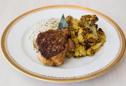 Pollo al Ajillo, Coliflor Horneada y Arroz Provenzal