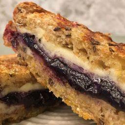 Sandwich de Queso Paria y Mermelada Casera