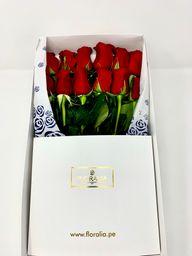Caja blanca - 12 rosas rojas