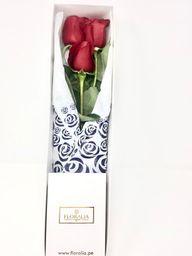 Caja blanca - 3 rosas rojas