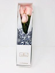 Caja blanca - 3 rosas rosadas