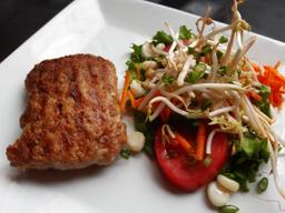 Hamburguesa de Pollo +  Ensalada  + Chicha