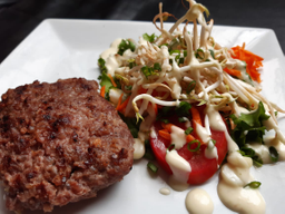 Hamburguesa de Carne +  Ensalada  + Chicha