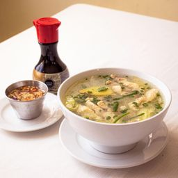 Sopa De Pollo Con Tallarín