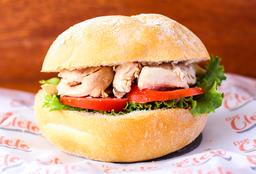 Sándwich de Pollo a la Brasa