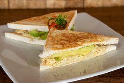 Sándwich de Pollo y Palta