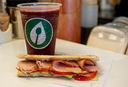 Combo Smoothie & sandwich