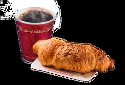 Combo Café y Croissant Parmesano