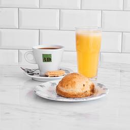 Café con Jugo y Empanada