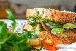 Sándwich al Pesto