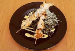 Fetuccini al Pesto con Brochetas de Pollo