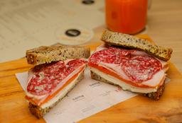 Sandwich Tres Jamones
