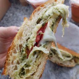 Sándwich Caprese