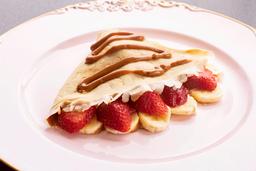 Crepe Manjar con Fresa y Plátano