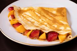Crepe Manjar con Fresa y Durazno