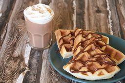 Waffles + Bebida Caliente