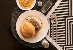 Pan con Lomo en Salsa de Pimienta
